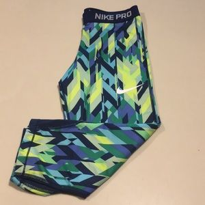 Nike Pro Capri girls XL